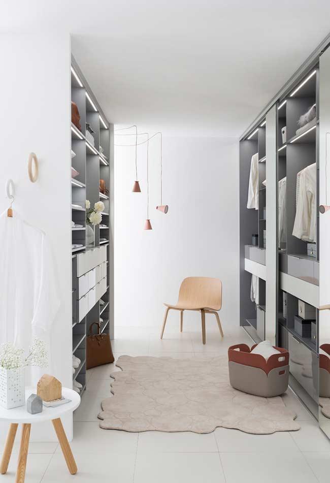 Closet planejado para quem tem espaço