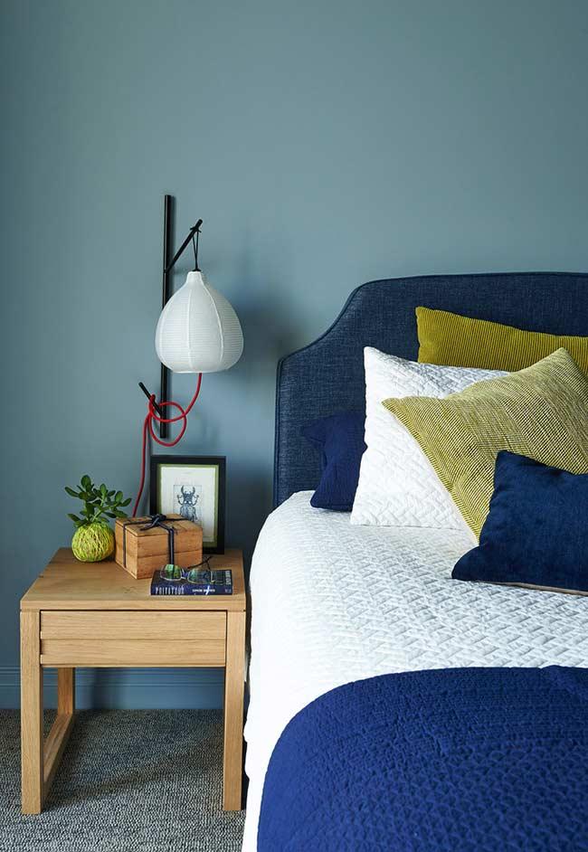 Azul e amarelo na decoração do quarto