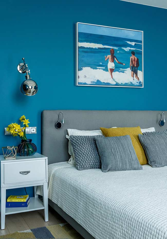Azul do mar na decoração do quarto