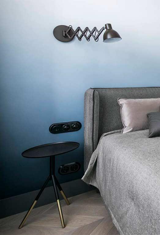 Degradê azul na parede do quarto