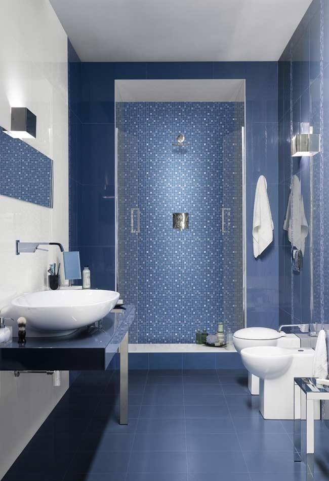 Texturas diferentes, mantendo a mesma tonalidade na decoração do banheiro