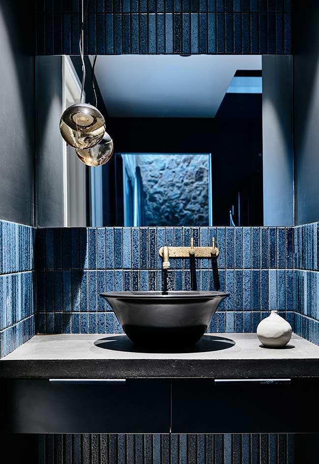 Banheiro azul super sofisticado