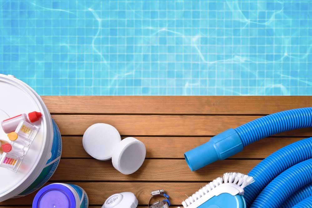 Como limpar piscina: materiais necessários