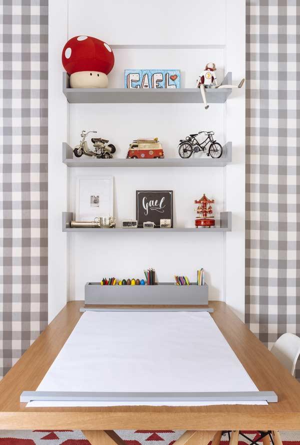 Mesa especial para quem gosta de desenhar e soltar a imaginação