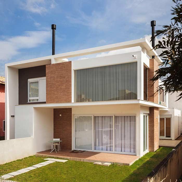 Casa moderna mais simples com dois pavimentos