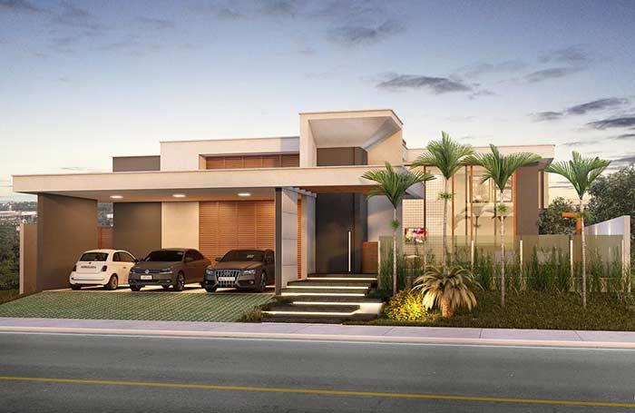 Casa grande com amplo espaço de garagem