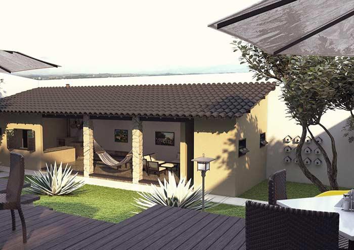 Telhado colonial com telhas na cor marrom