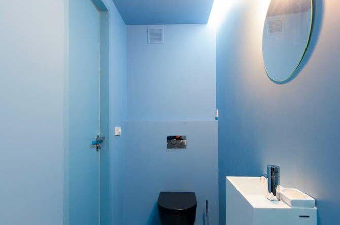 Banheiro azul: ideias e dicas para decorar o ambiente com esta cor