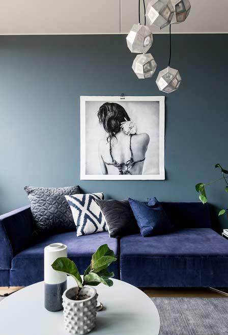 Tom de azul acinzentado na pintura da parede