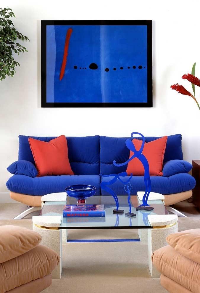 Azul e vermelho para ter um ambiente mais acolhedor