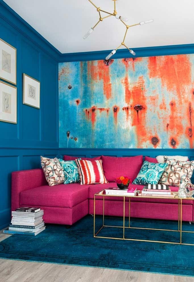 Sala com decoração azul e rosa