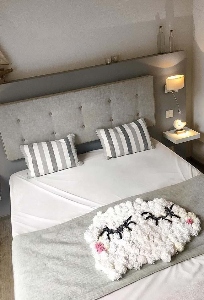 Tapete almofada para uma cama confortável
