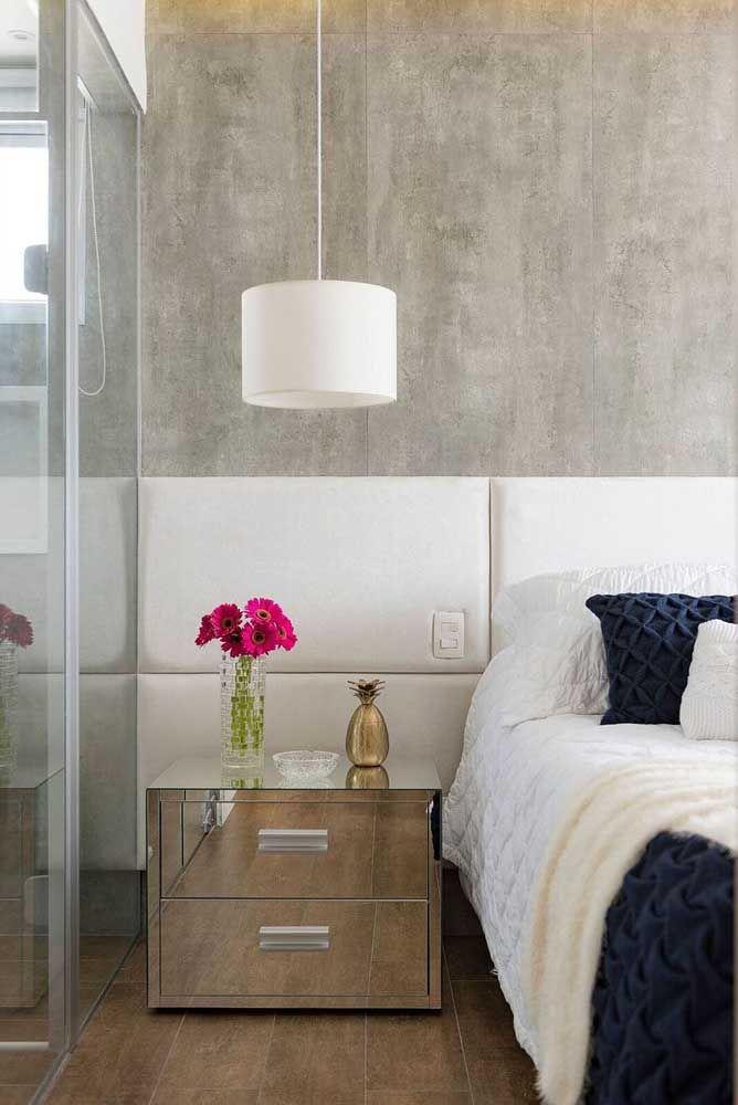 Pequeno, discreto, mas indispensável na decoração e na organização do quarto