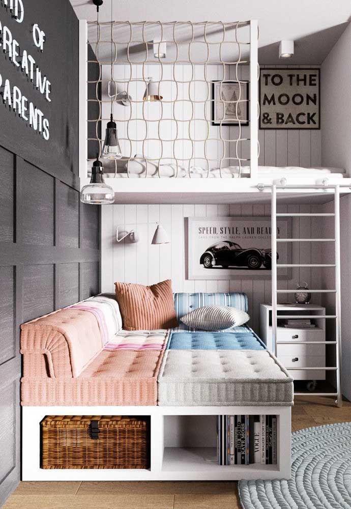 Sonho infantil esse beliche; as cortininhas garantem a privacidade e o sono tranquilo de cada criança