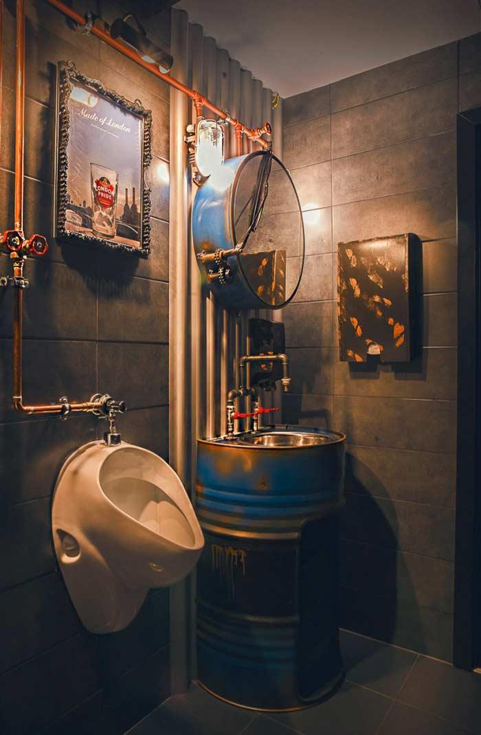Banheiro com estilo industrial super criativo