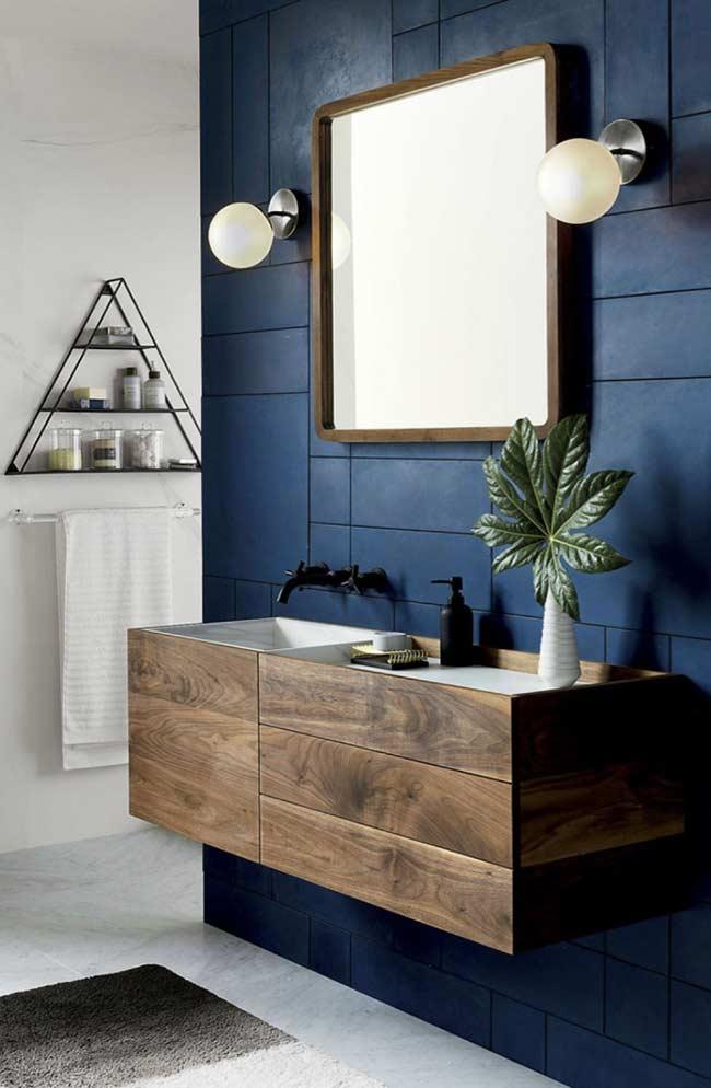 Banheiro azul com formas geométricas