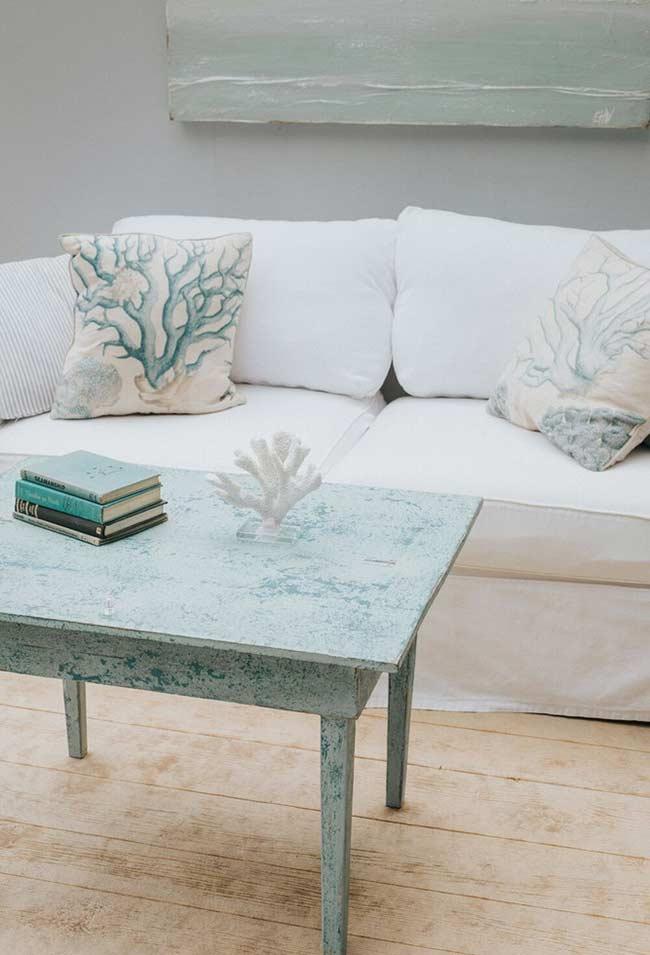 Renove seus móveis antigos com pátina