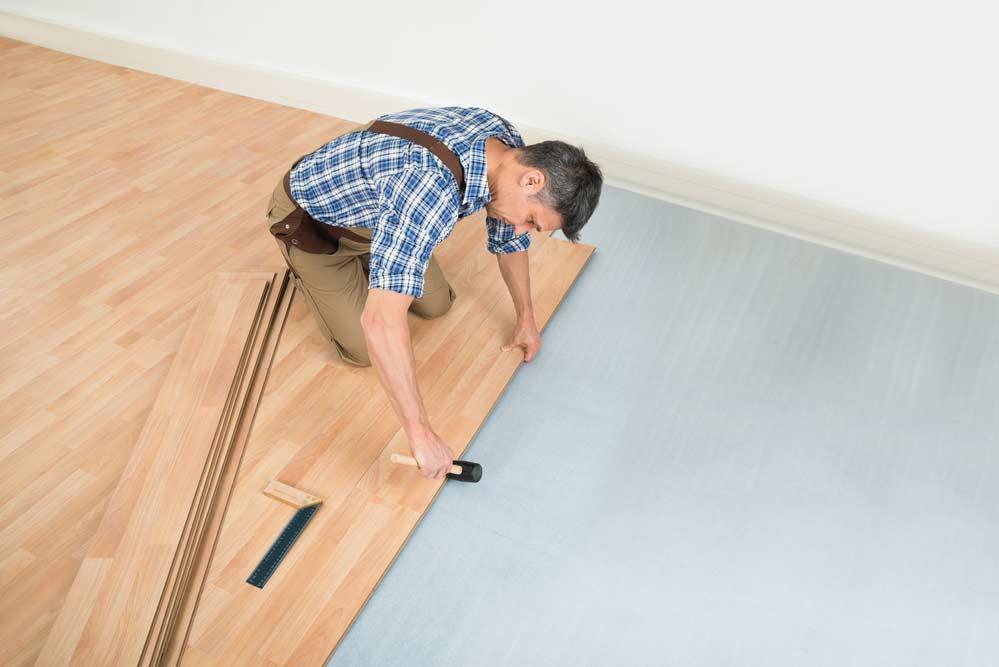 Como colocar piso laminado: instalação