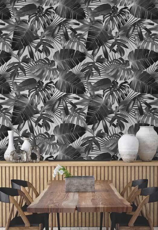 Folhagens preto e branco no papel de parede da sala de jantar