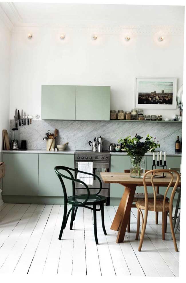 Quadro de paisagens na cozinha