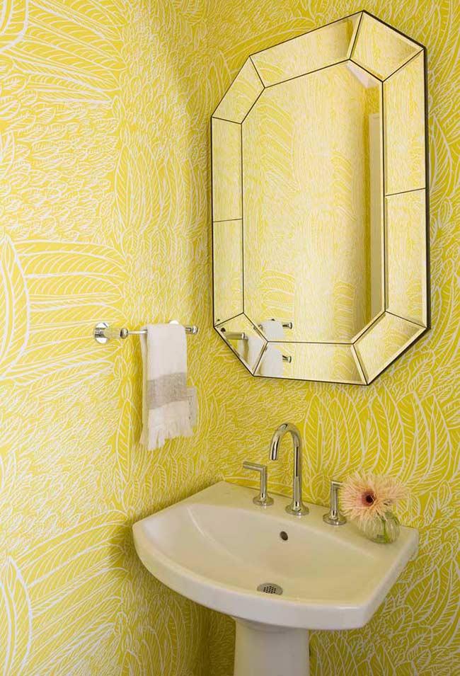 Papel de parede nas cores amarelo e branco