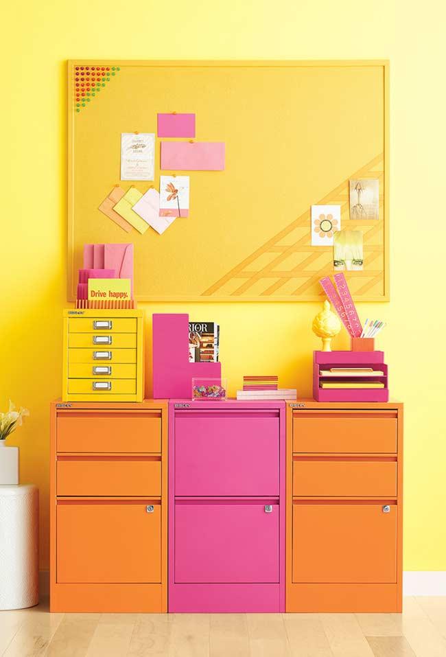 Amarelo para escritórios criativos