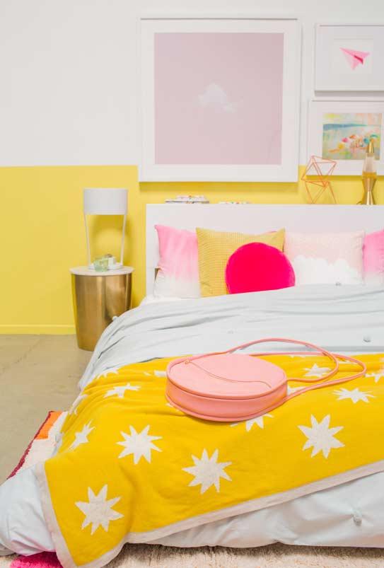 Quarto pinterest com a cor amarela