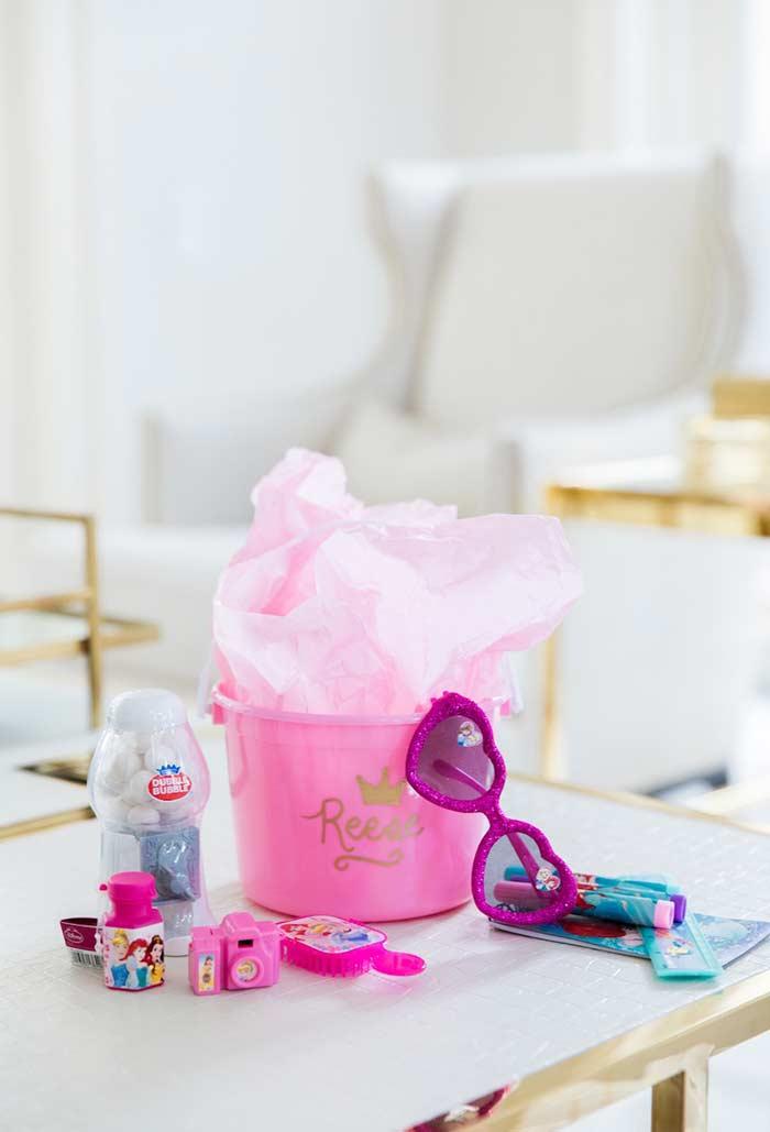 Produtos da princesa Disney para fazer um kit perfeito de lembrancinha