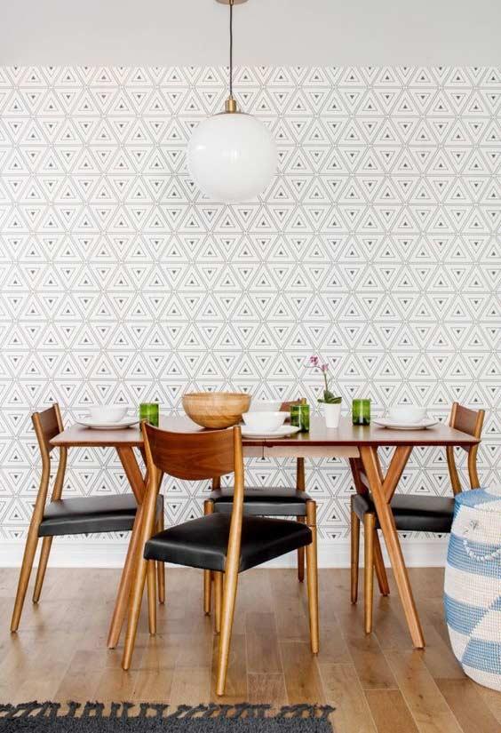 Papel de parede com padronagem triangular para sala de jantar