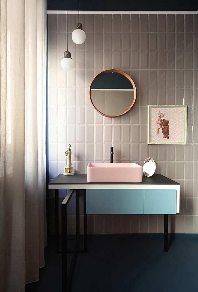 Armário de banheiro com design moderno