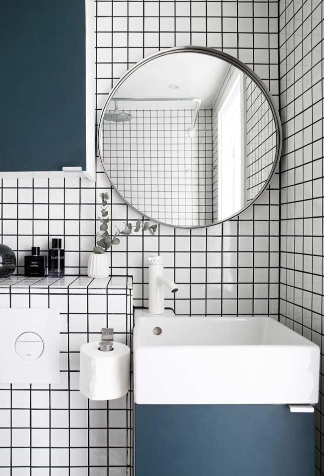 Armário básico e colorido para lavatório