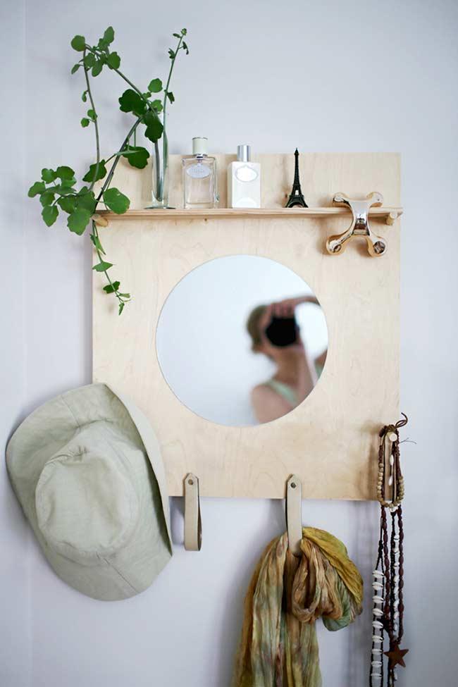 Cabideiro com espelho