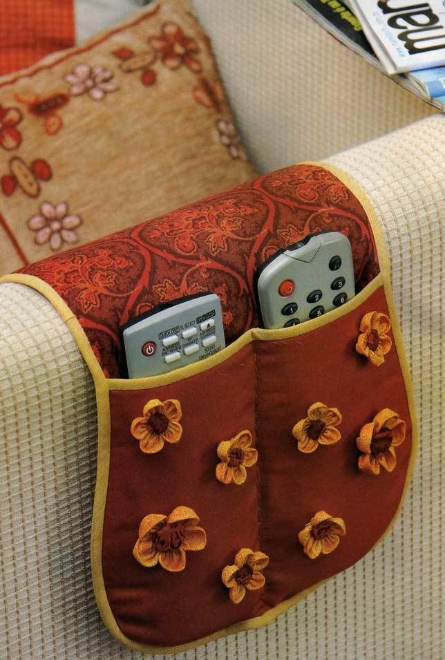 Como fazer fuxico: porta controles em tecido com o fuxico decorativo