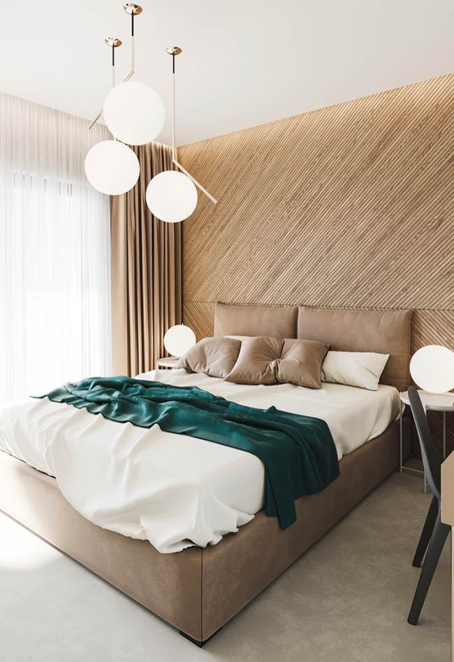 Parede, cama e cortiça na mesma cor