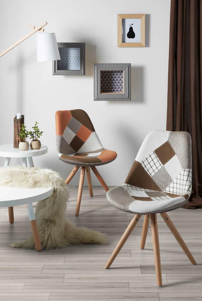 Cadeira Charles Eames com patchwork