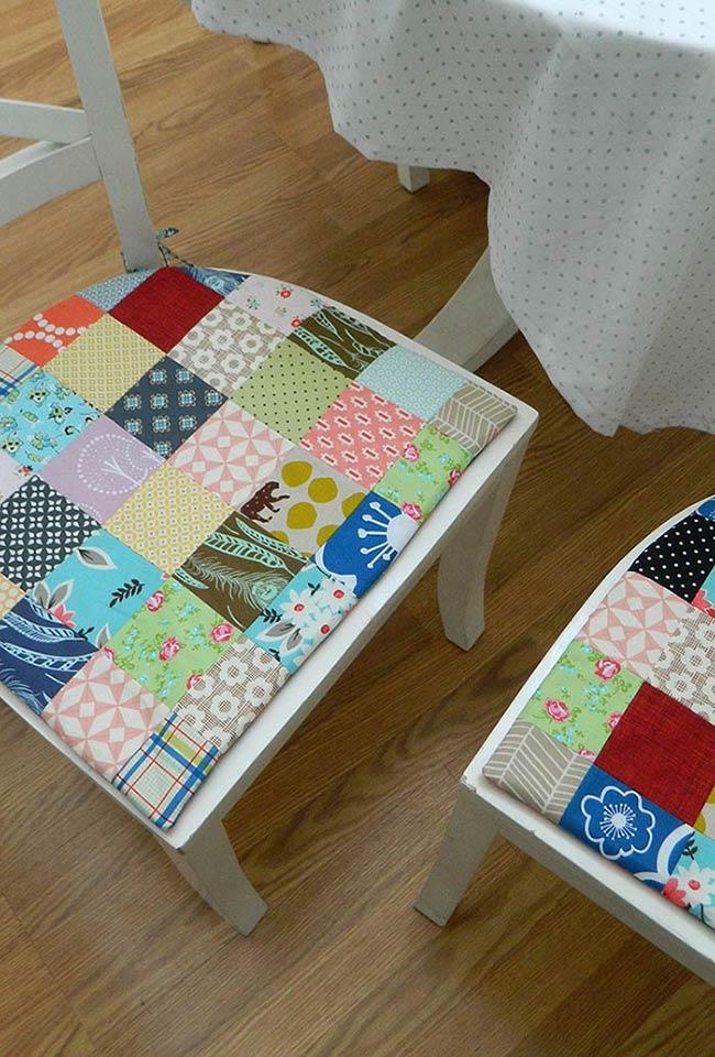 Assento de cadeira com patchwork