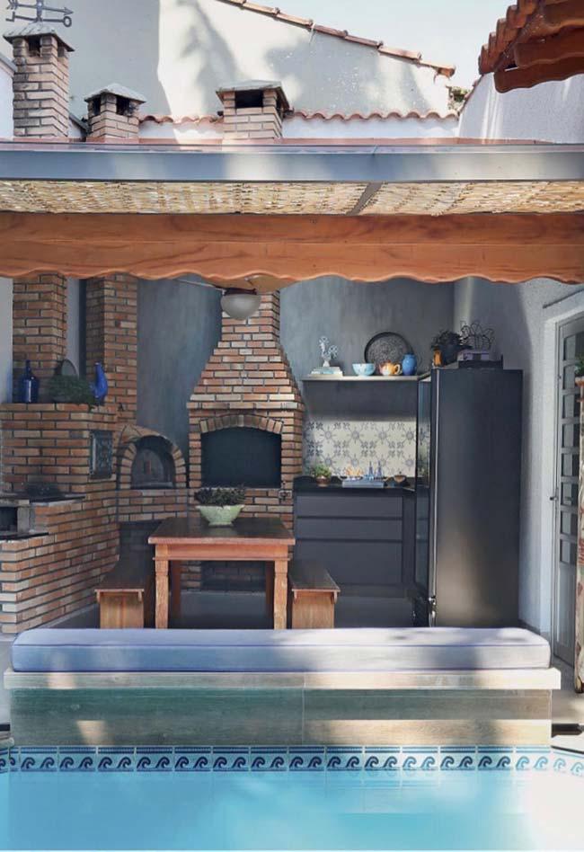 Churrasqueira pré-moldada com forno e fogão