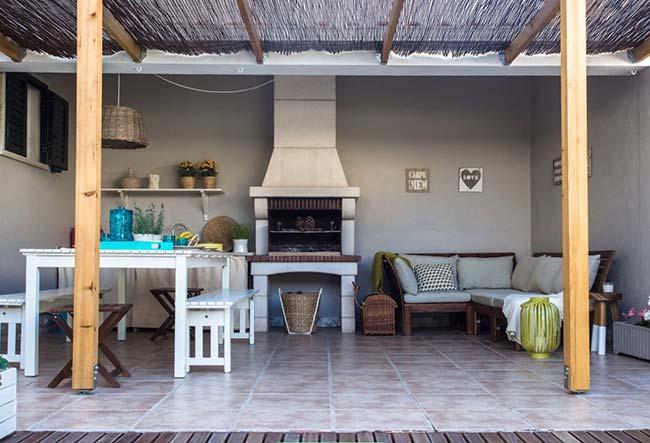 Varanda: uma bela área de lazer com churrasqueira pré-moldada