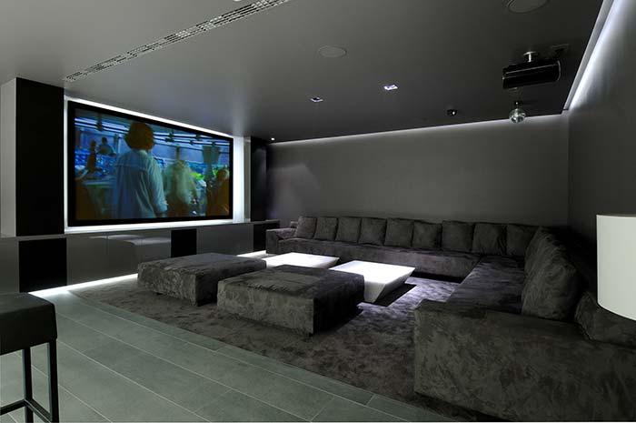 Cinema em casa cinzento