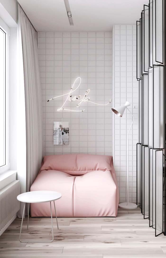 Cobertura da cama em rosa candy