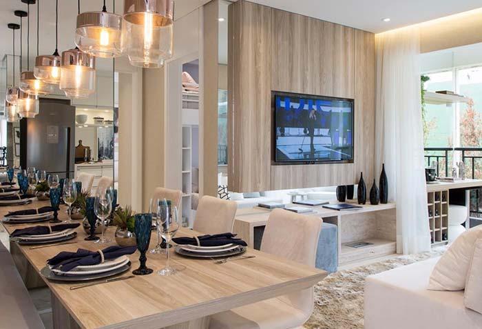 Sala de TV combinando com a sala de jantar
