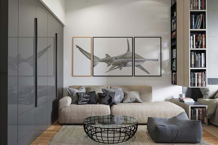Sala pequena com sofá espaçoso