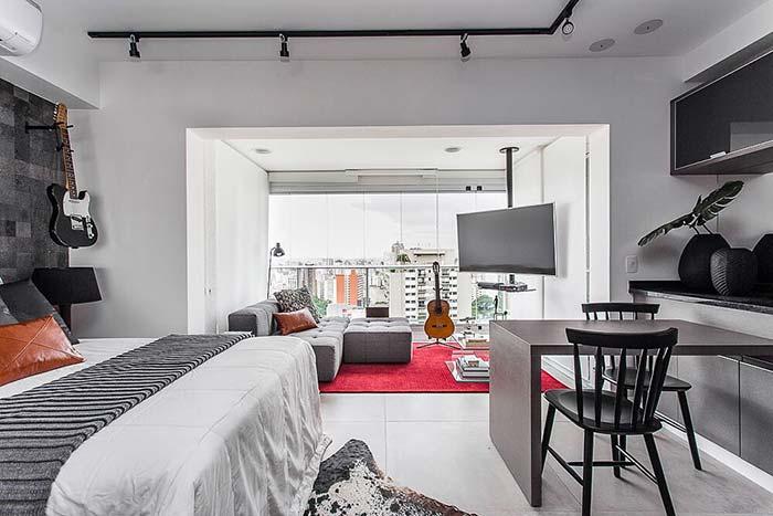 Sala pequena e quarto integrados