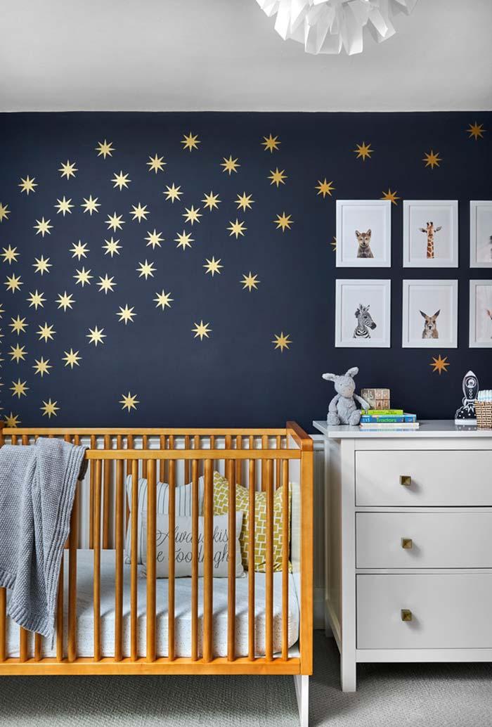 Quarto de bebê noite estrelada