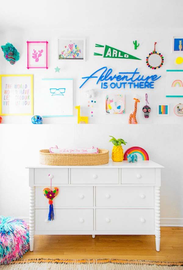 Parede decorativa no quarto de bebê simples