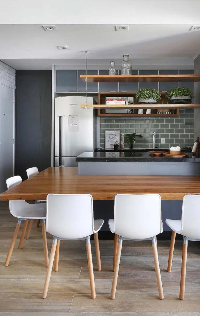 Uma cozinha rústica e moderna