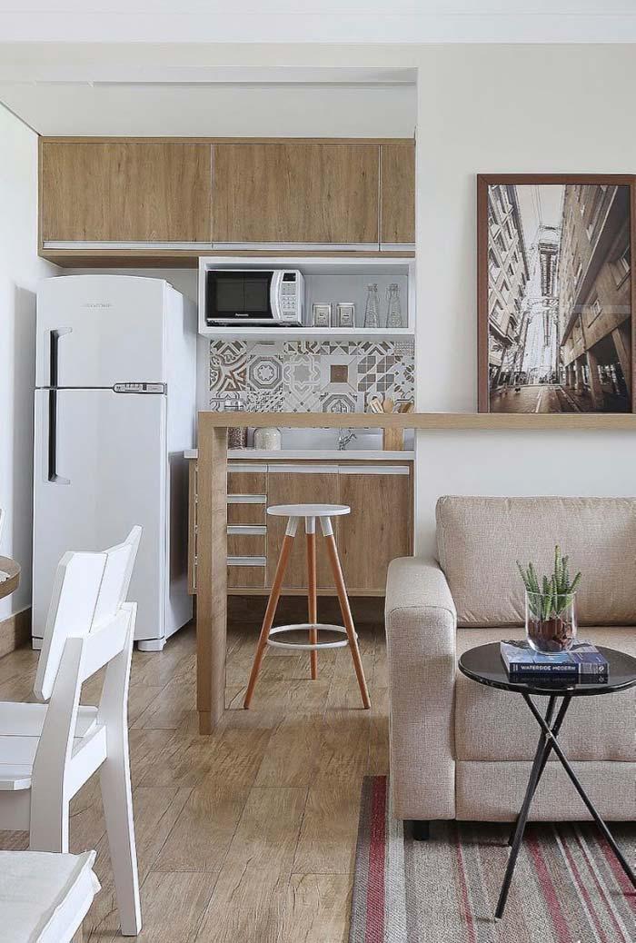 Ambiente simples com porcelanato madeira