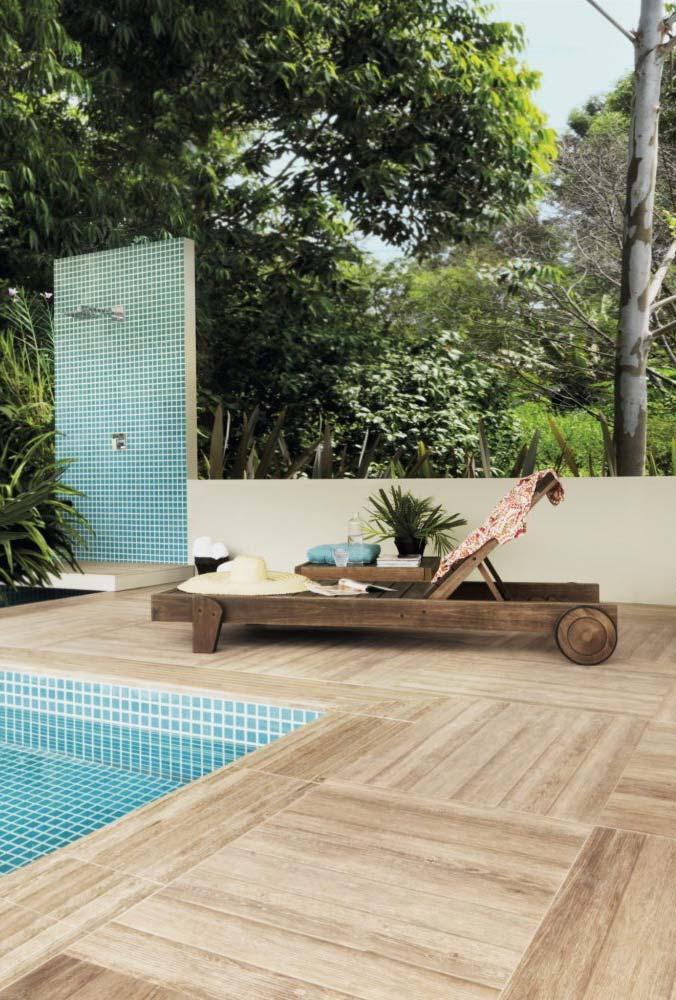 Porcelanato madeira para área da piscina