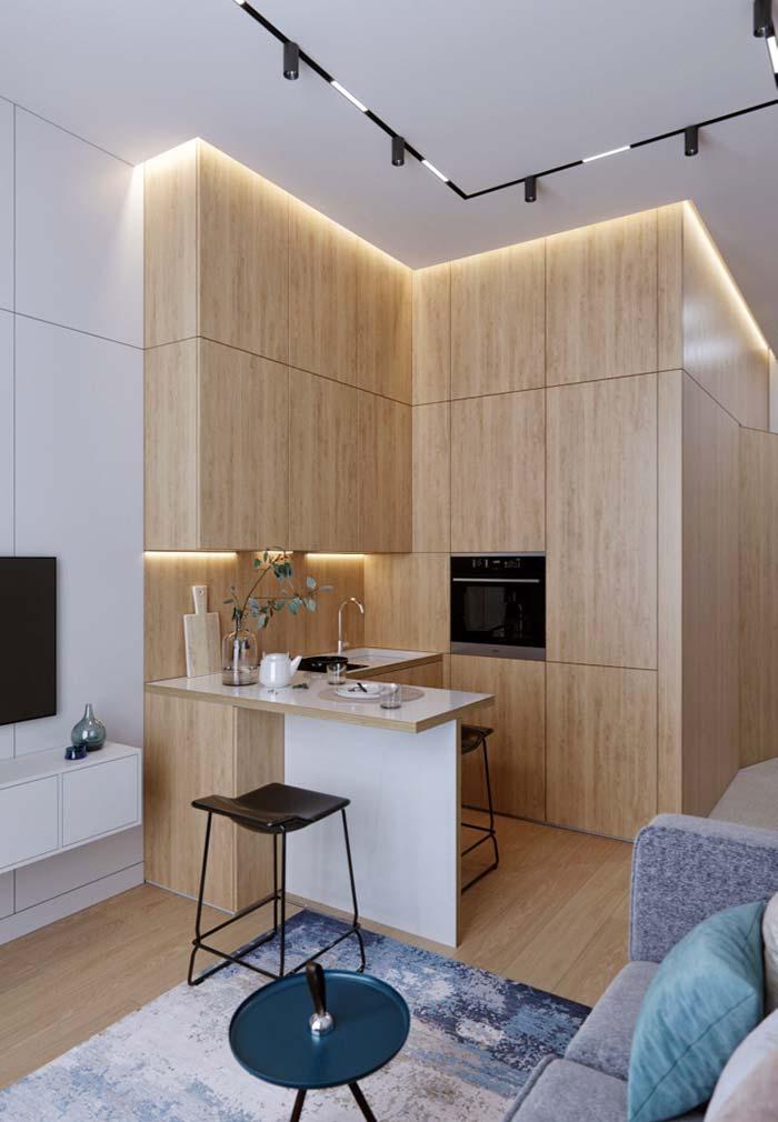 Cozinha planejada pequena com balcão
