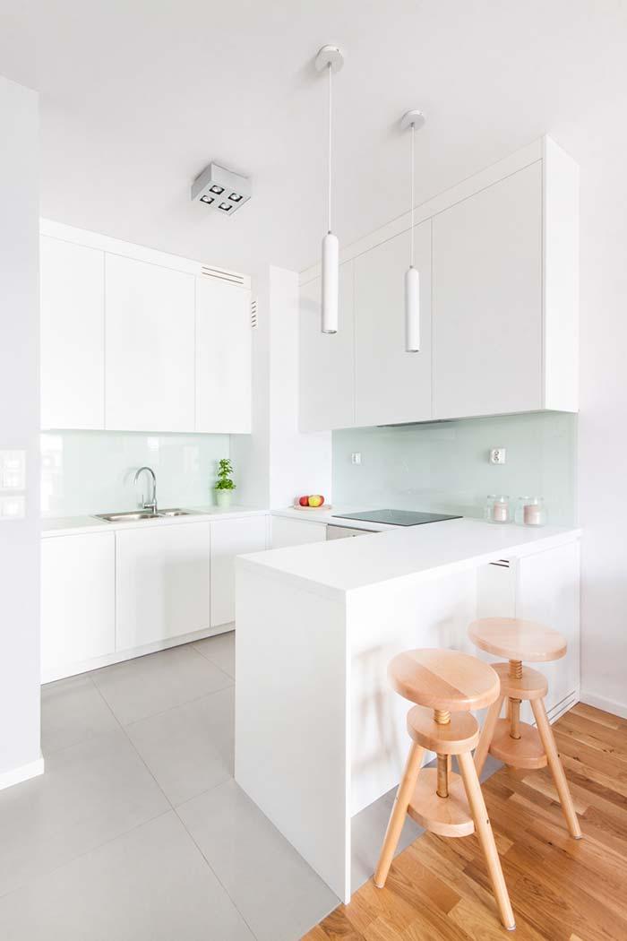 Cozinha planejada pequena branca